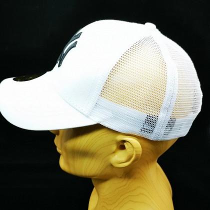 MLB New York NY Yankees Men Women Baseball Trucker Cap with adjustable strap (White)